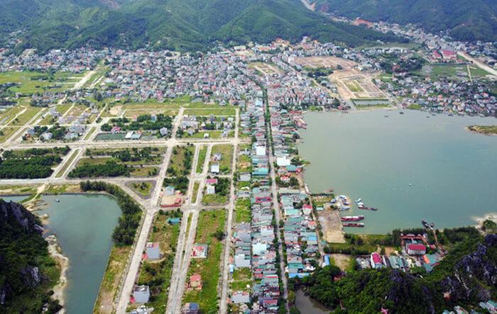 Huyện đảo Vân Đồn, Quảng Ninh, một trong những nơi xảy ra tình trạng sốt đất thời gian qua - Ảnh: NGUYỄN KHÁNH