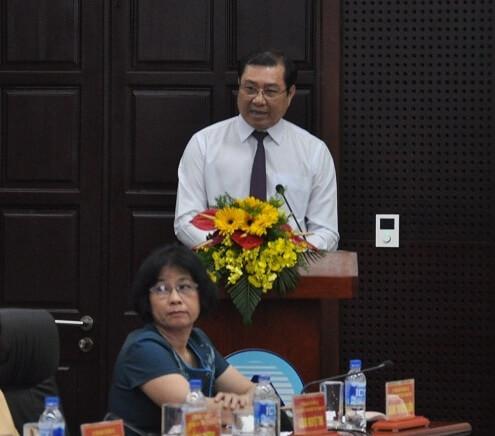 Ông Huỳnh Đức Thơ phát biểu tại buổi họp.
