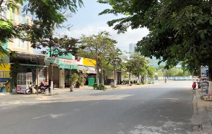 Ban Dat Phung Hung