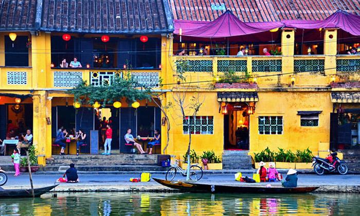 Hội An vừa được bạn đọc tạp chí Travel and Leisure chọn vào danh sách 10 thành phố tuyệt vời nhất thế giới năm 2020.