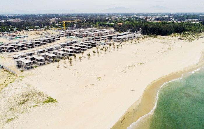 Tập đoàn Hoàng Gia Hội An đang nổ lực thi công các biệt thự tại dự án Shantira Beach Resort & Spa.