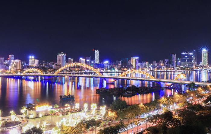 Trải qua giai đoạn lao dốc, thị trường bất động sản Đà Nẵng nhiều triển vọng phát triển mới. Ảnh: Nguyễn Đông.