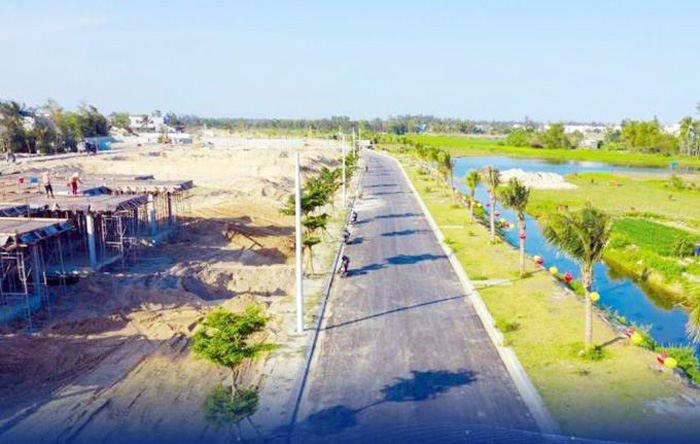 Các dự án như Rosa Riverside Complex nằm trong đô thị du lịch biển từ phía Đông sông Cổ Cò ra đến biển có chức năng là trung tâm du lịch biển.